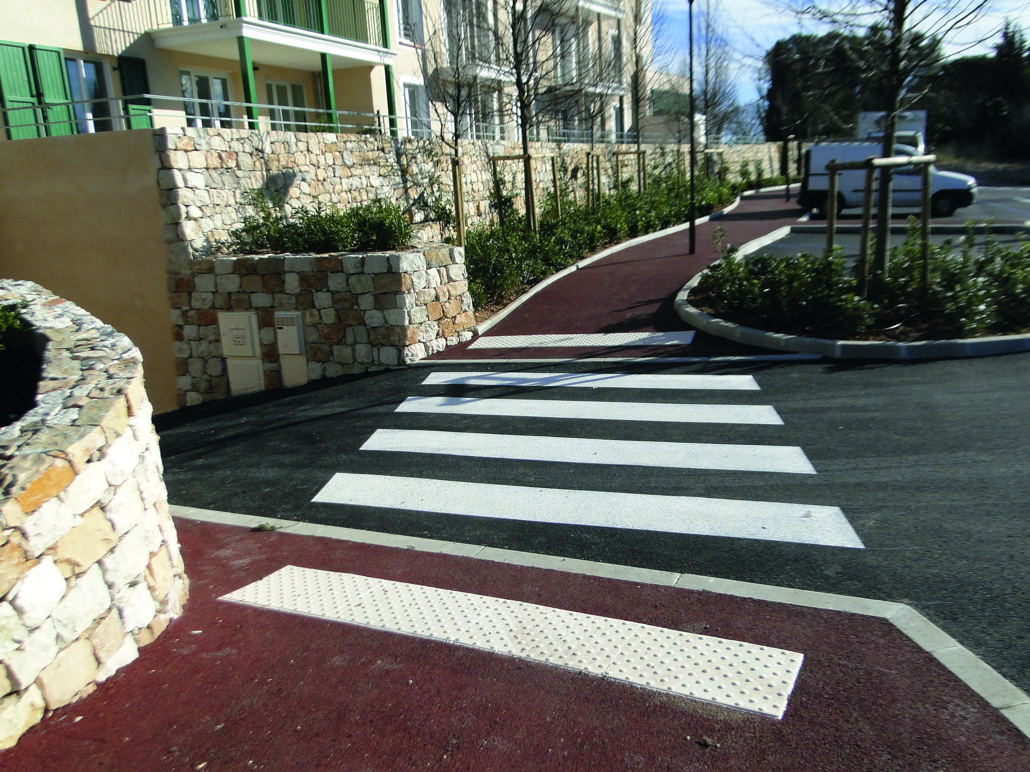 bande_eveil_vigilance_trottoir